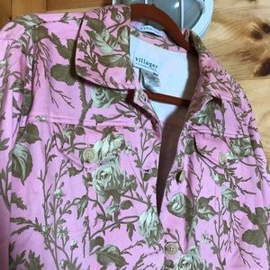 PINK STRETCHY BUTTON UP JACKET W/ BROWN ROSE VINES